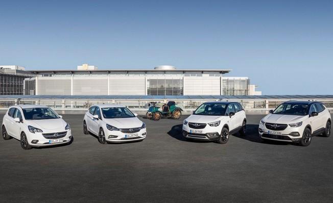 Opel 120 Aniversario Edición Especial
