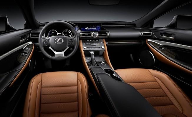 Lexus RC 300h 2019 - interior