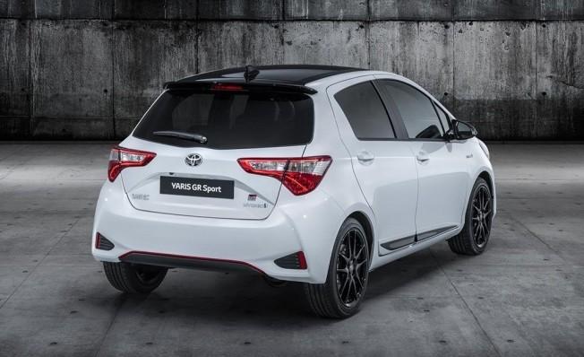 Toyota Yaris GR Sport - posterior