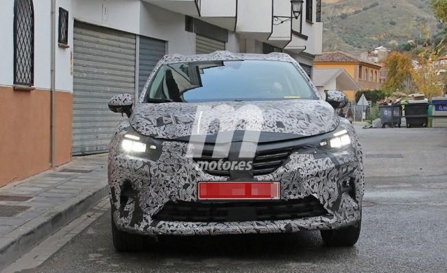 Renault Captur 2020 - foto espía frontal