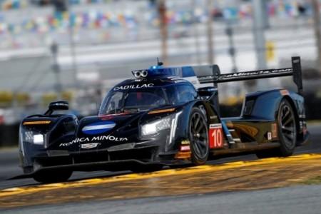 """Alonso, satisfecho tras su debut con Cadillac: """"El coche está muy preparado"""""""