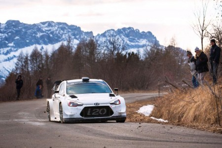 Hyundai, con Loeb como estrella, va a por el 'Monte'