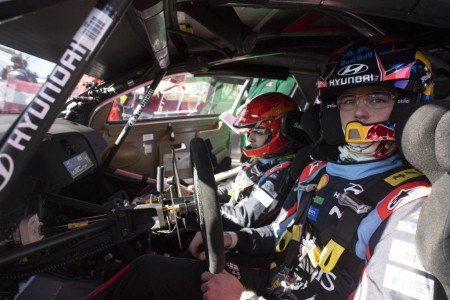 "Neuville tilda de ""peligroso"" el ritmo del Toyota Yaris WRC"