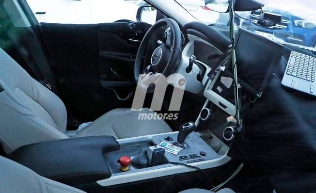 Jaguar XE 2019 - foto espía interior