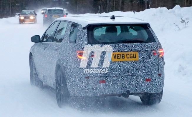 Land Rover Discovery Sport 2020 - foto espía posterior
