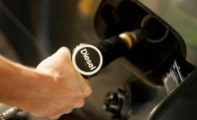 El Gobierno de España anuncia la subida del diésel en 2019