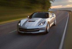 Los Chevrolet Corvette C7 se acumulan en los concesionarios a la espera del nuevo C8