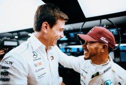 """Wolff: """"Los pilotos suelen quejarse del equipo, Hamilton lo elogia"""""""