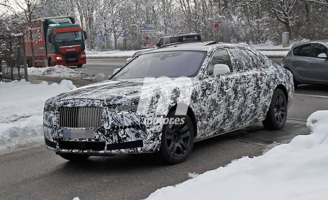 Rolls-Royce Ghost 2021 - foto espía