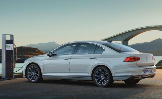 Volkswagen Passat GTE 2019 - posterior