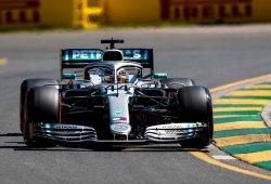 Hamilton arranca la temporada al frente de los primeros libres