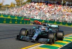 Hamilton terminó la carrera con el suelo del Mercedes W10 roto