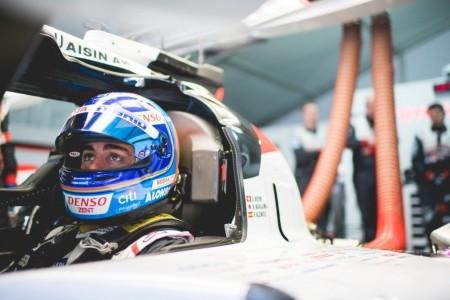 """Alonso, tras su primer día en Sebring: """"Aquí la manera de correr es más salvaje"""""""