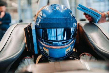 [Vídeo] Así se hace el asiento de Alonso para Indianápolis