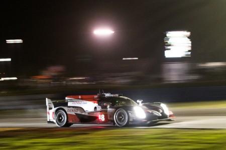 Alonso lleva al Toyota #8 a la pole en Sebring con su vuelta de récord