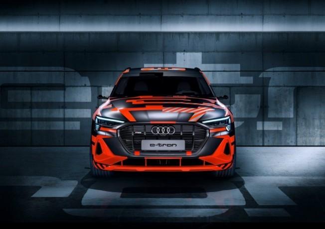 El nuevo Audi e-tron Sportback Prototype se viste con el camuflaje especial  de lanzamiento acf16f7ebbb1