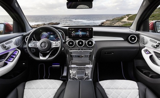 Mercedes GLC Coupé 2019 - interior