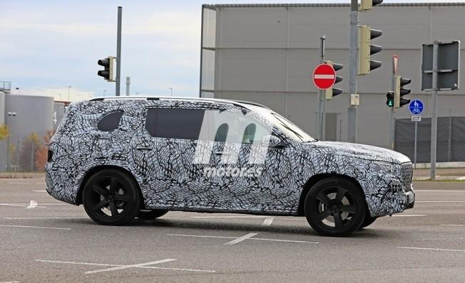 Mercedes-Maybach GLS - fotos espía lateral