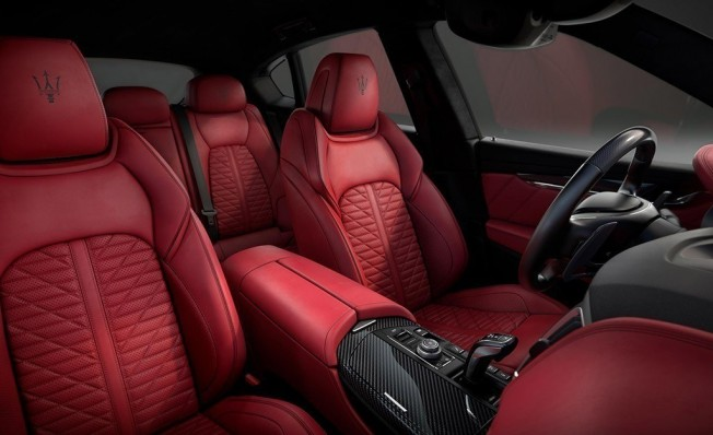 Maserati Levante Vulcano - interior